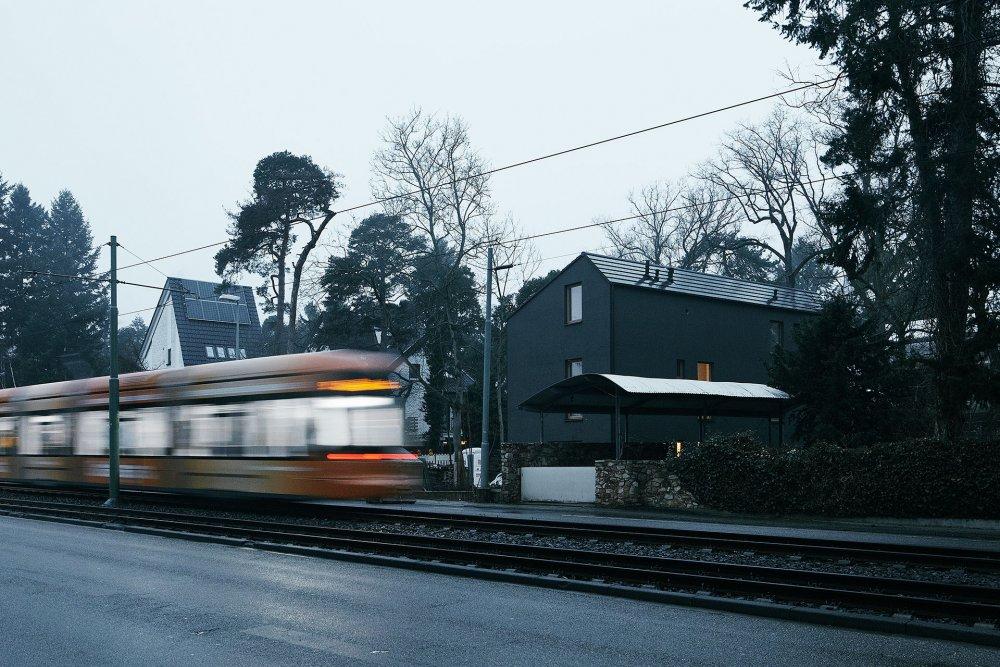 Schwarzes Haus — Marc Flick